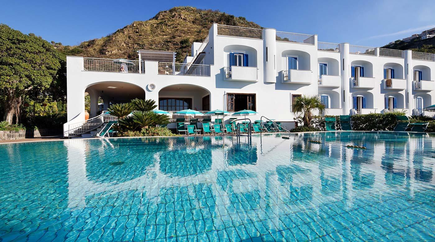Hotel ischia 4 stelle sulla spiaggia dei maronti con terme for Hotel barcellona sul mare