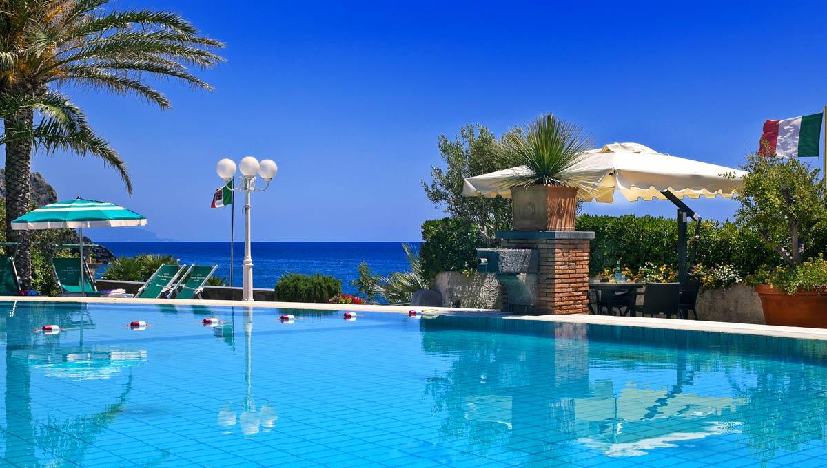 Angebote 4 sterne hotel auf ischia direkt am meer hotel for Angebote swimmingpool